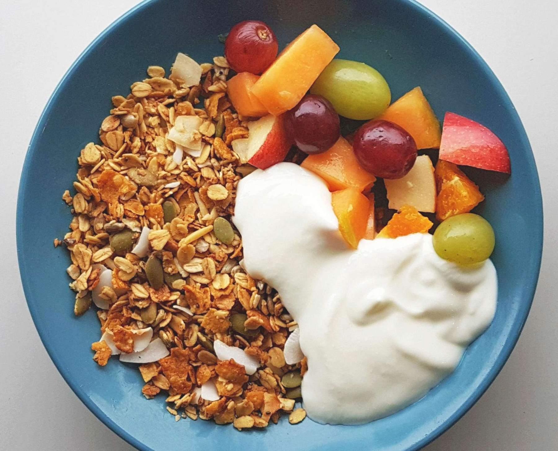 Granola with fresh fruit and yoghurt