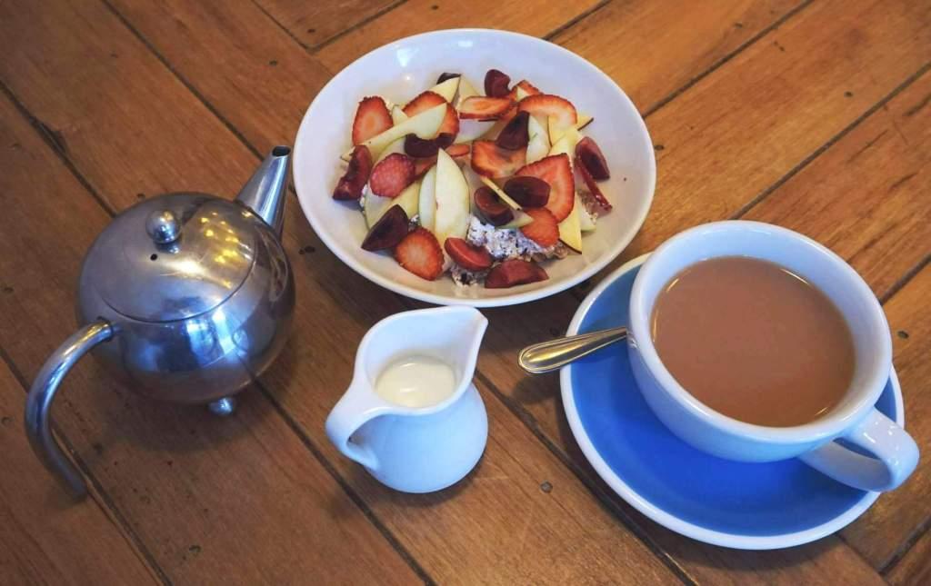 Hillside muesli and tea