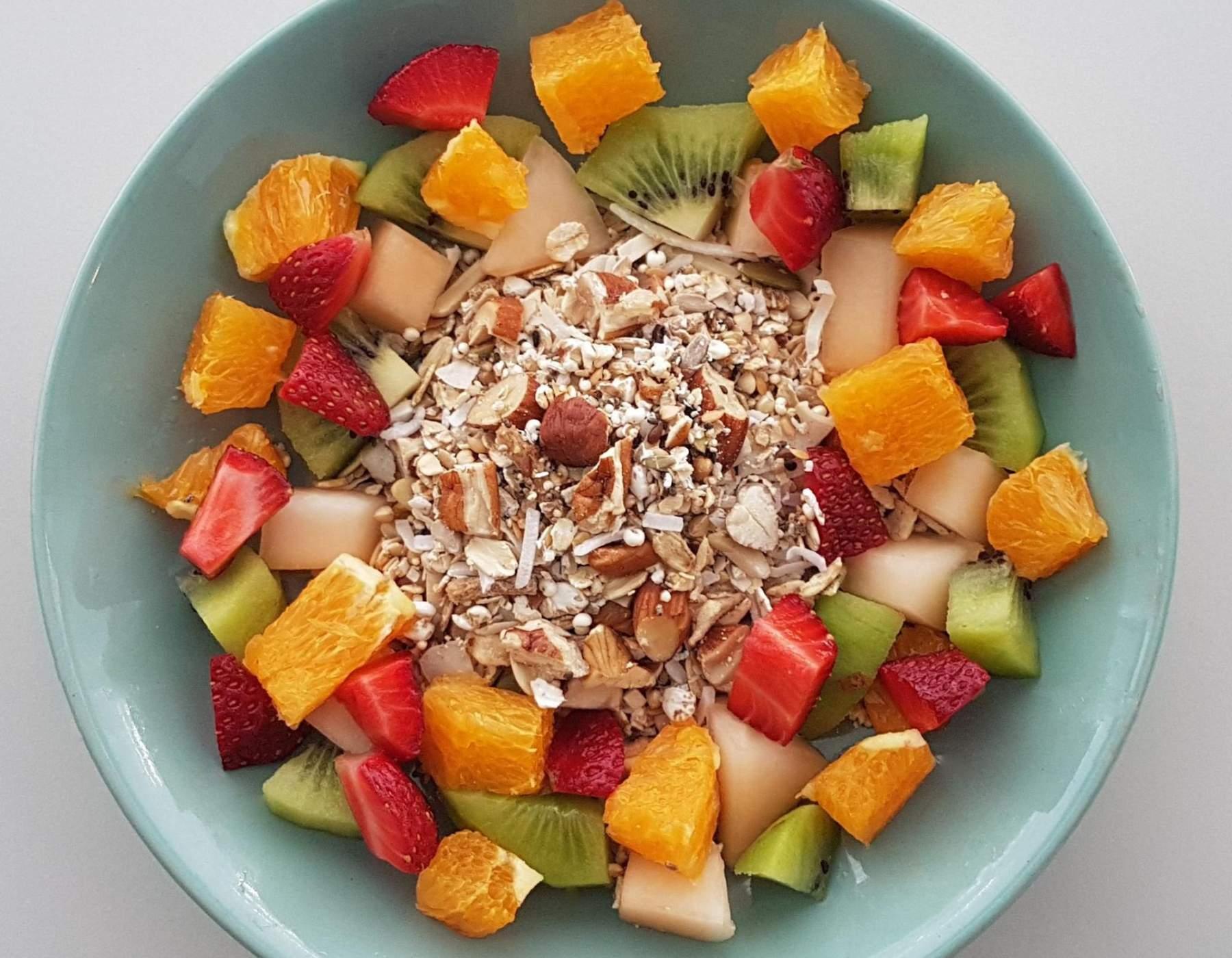 Home-made muesli with fresh fruit