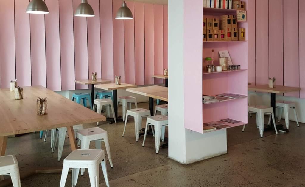 Seize eatery interior empty
