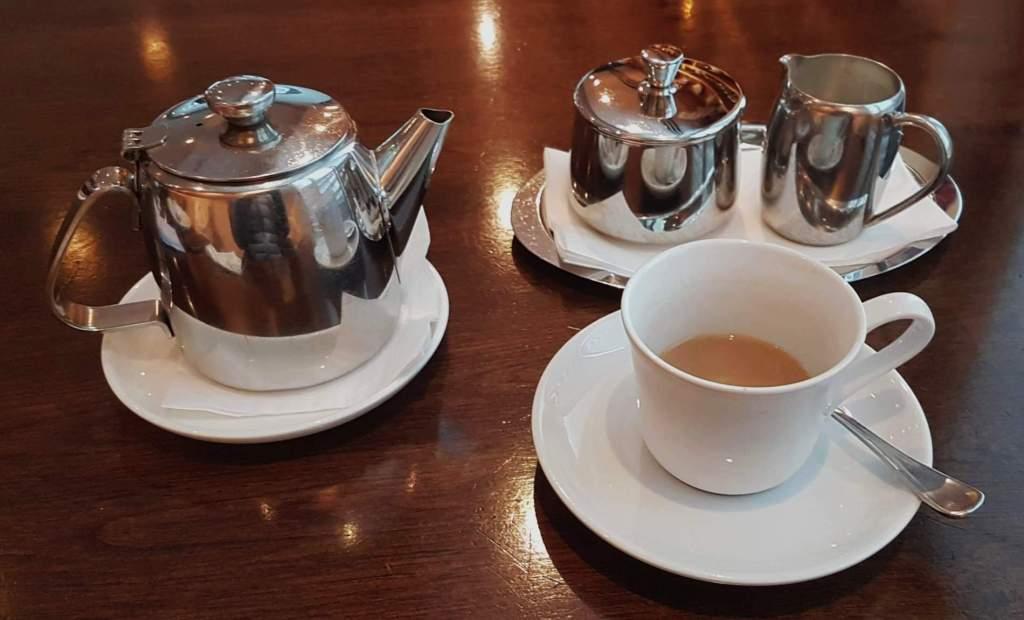 Artisan - tea set