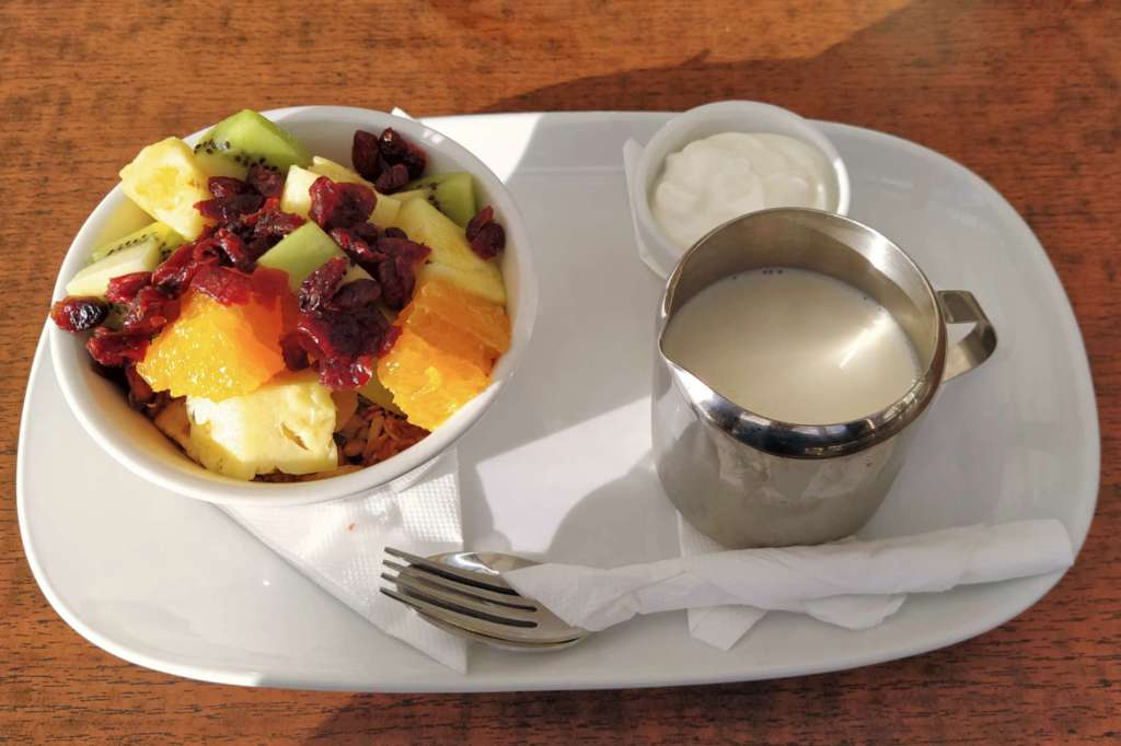 Picnic Cafe - muesli tray