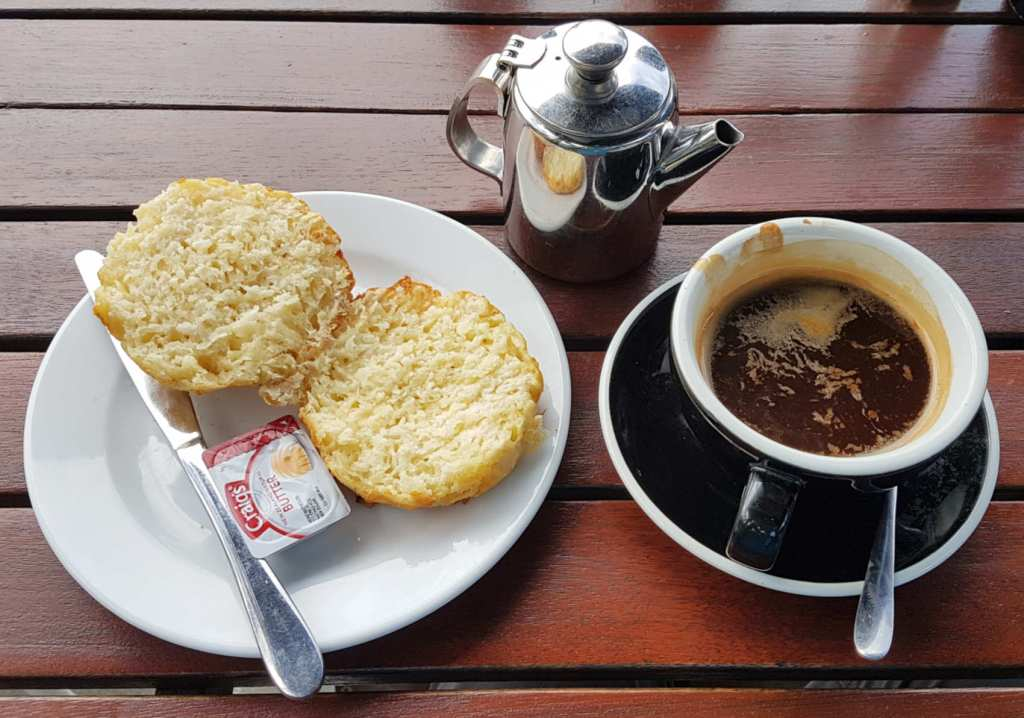 Picnic Cafe - scone and coffee