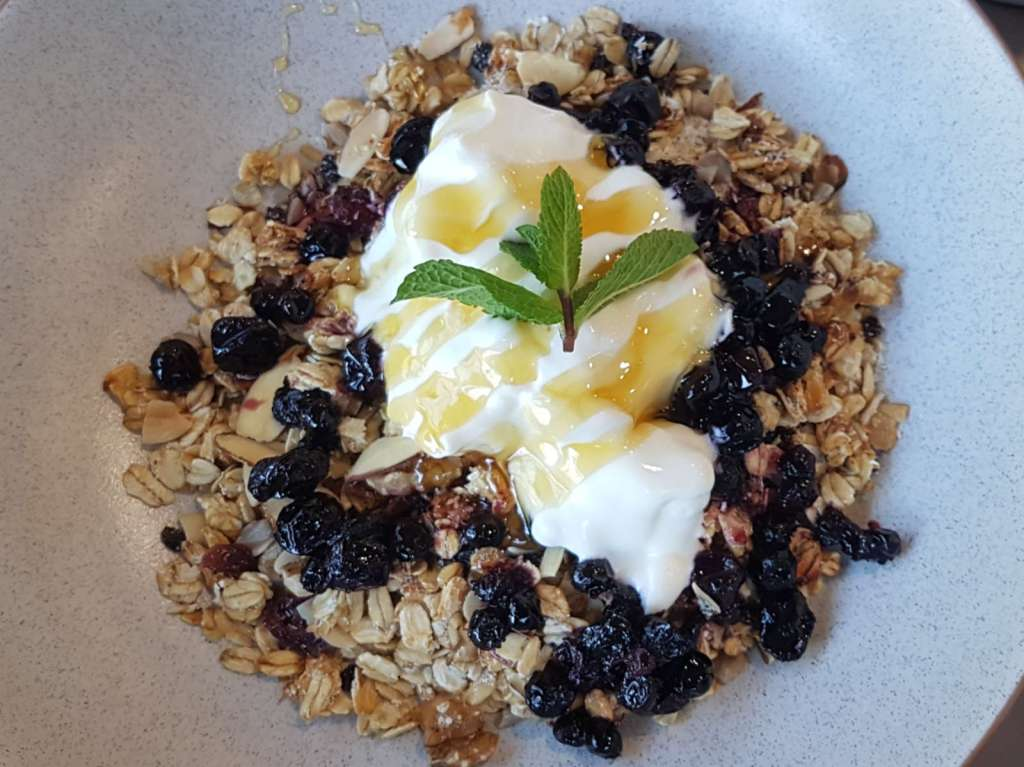 Rata Cafe muesli close-up