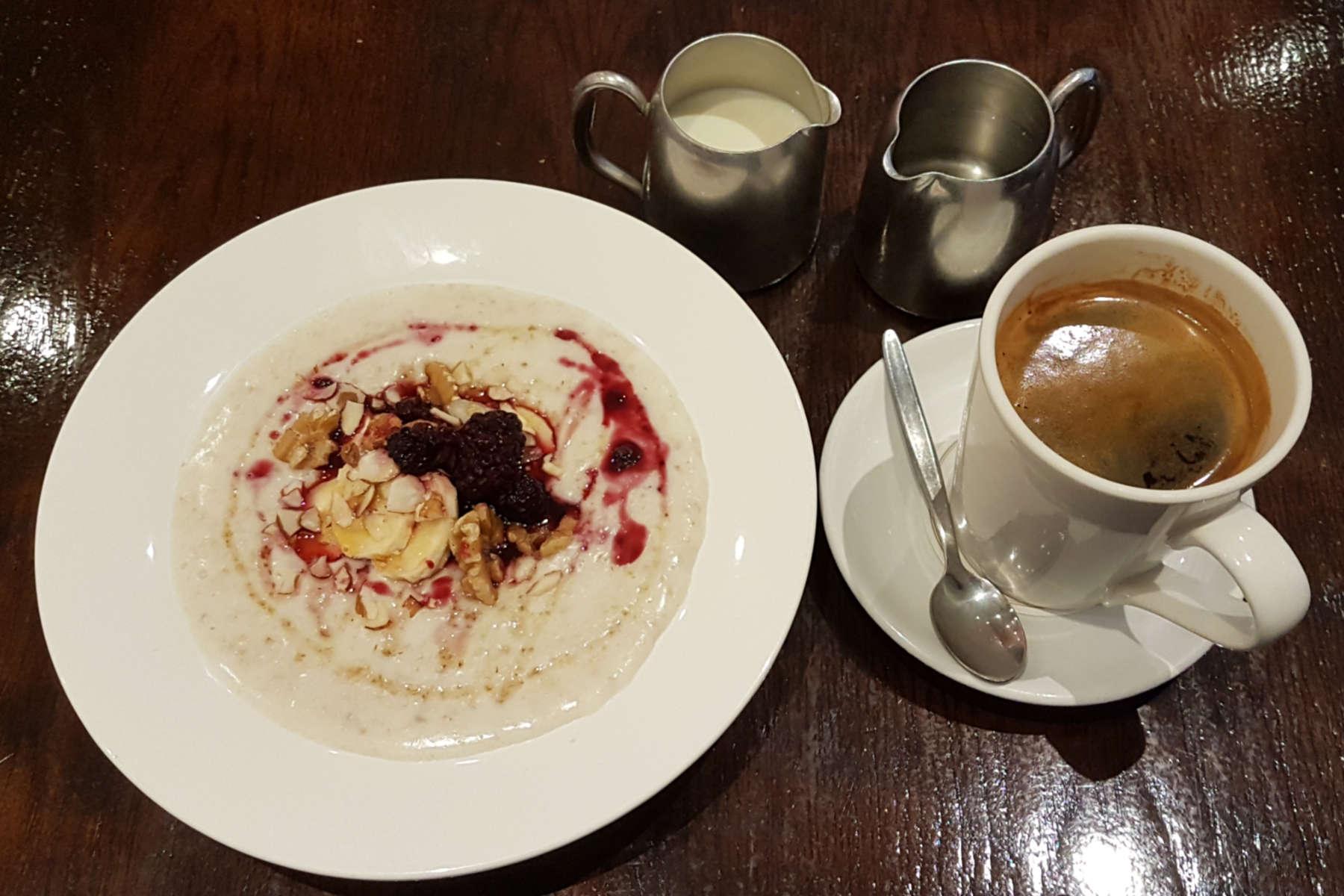 Arabica Cafe porridge and coffee