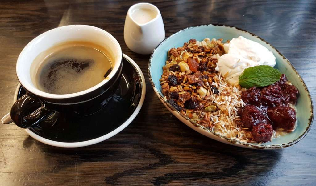Karaka cafe porridge and coffee 2020