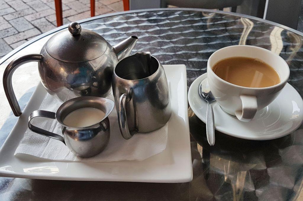 Arabica Cafe tea