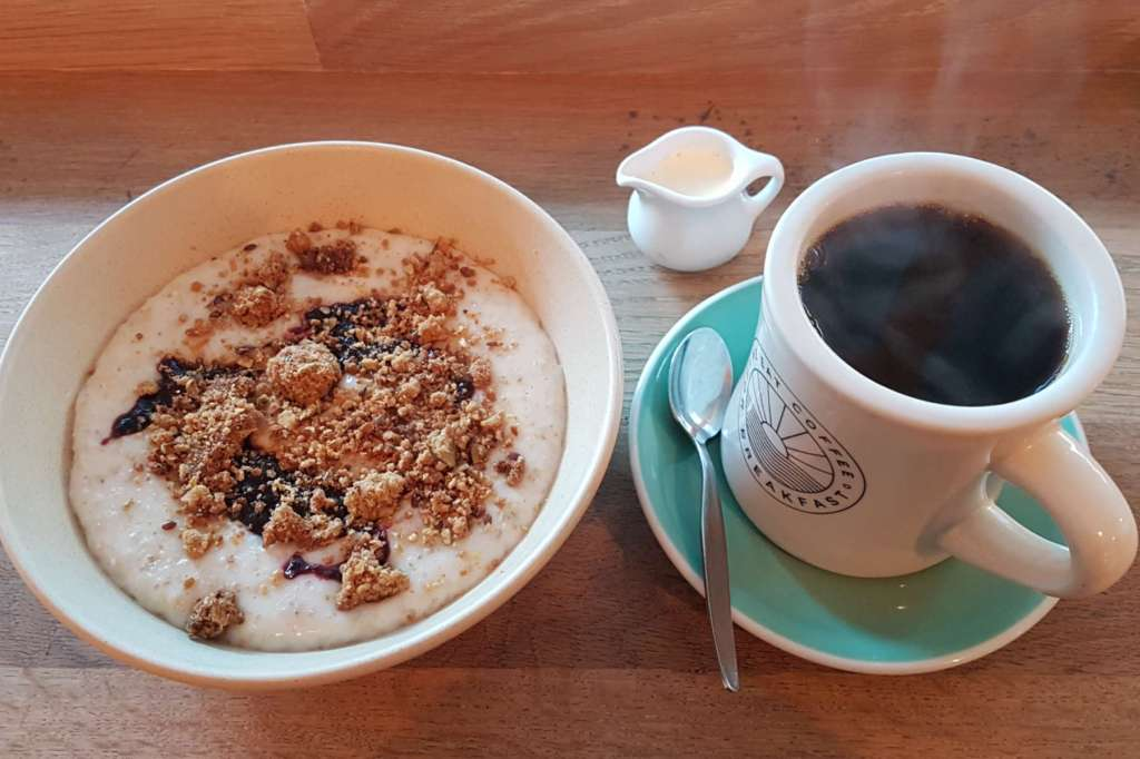 Neo - porridge and coffee