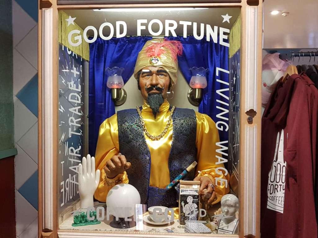 Seashore Cabaret - fortune teller