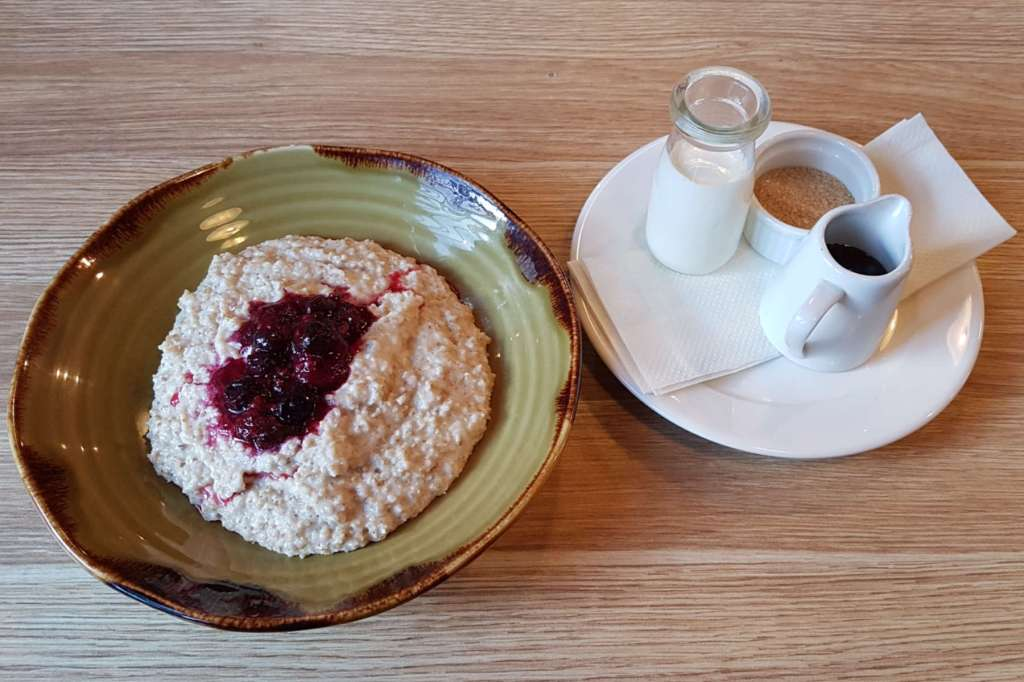 Urban on Manners - porridge and accessories