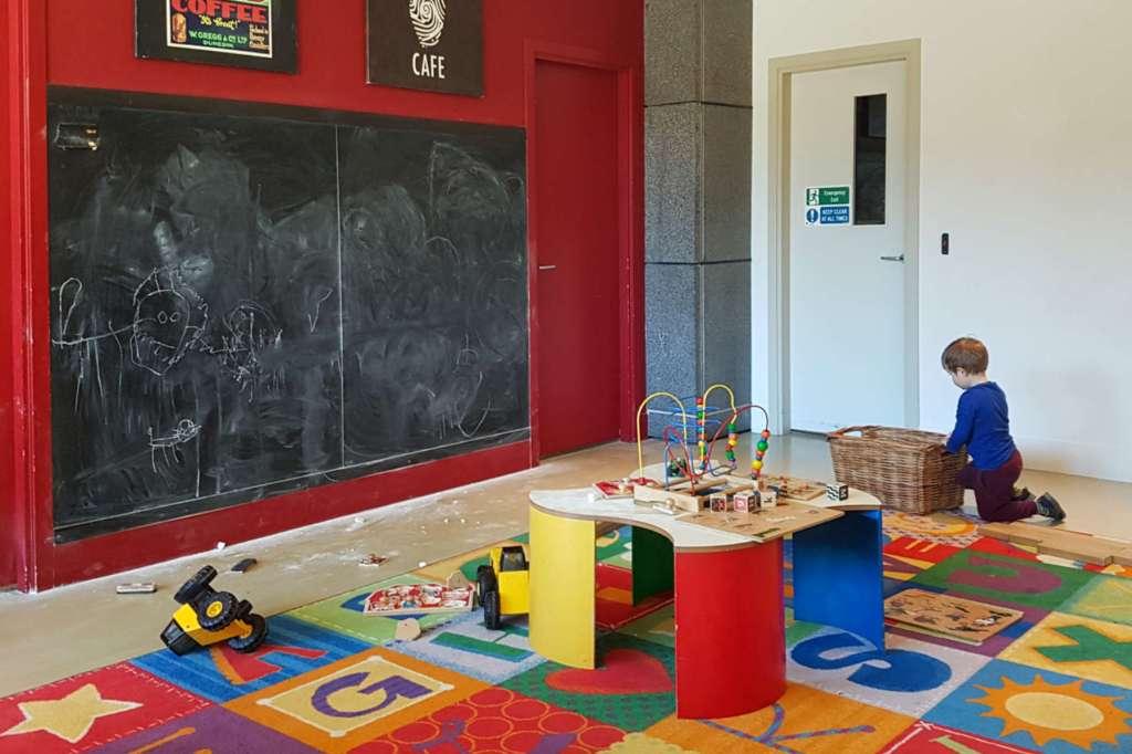 Te Papa Cafe - interior play area