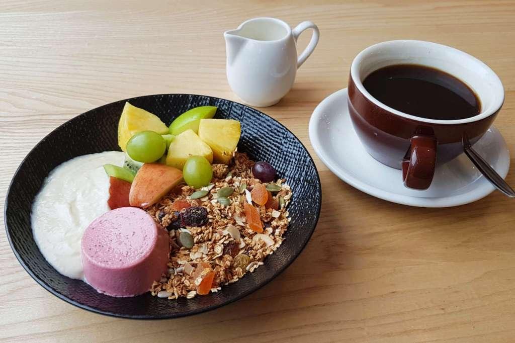 Te Papa Cafe muesli and coffee