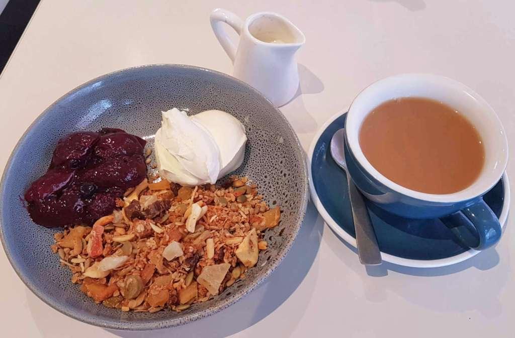 Lido - muesli and tea
