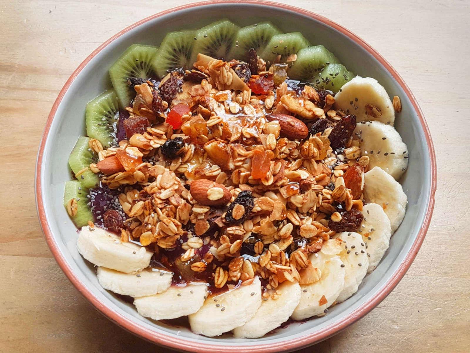 Willi's Kitchen - acai bowl header