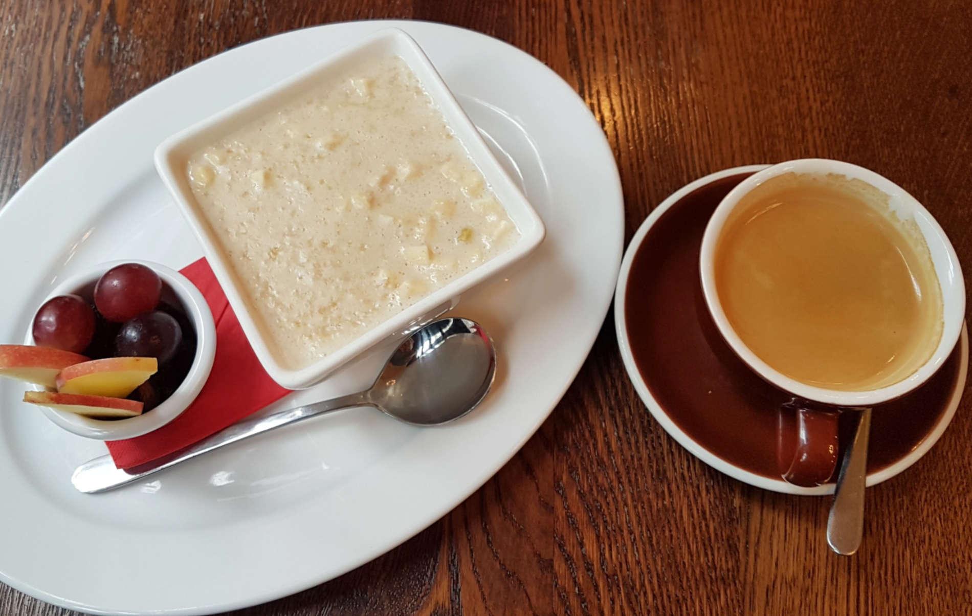 Leuven porridge and coffee