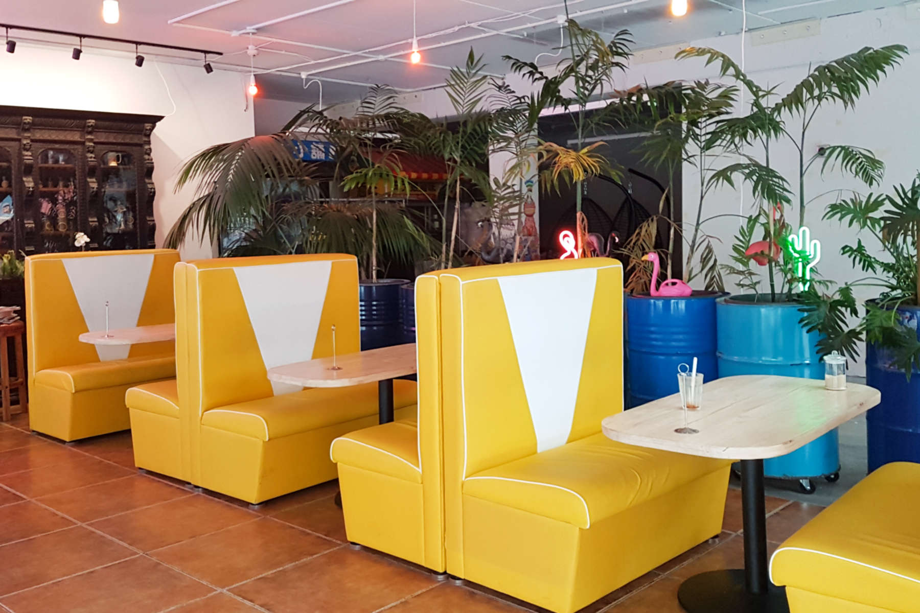 Gypsy Kitchen interior - yellow diner seating