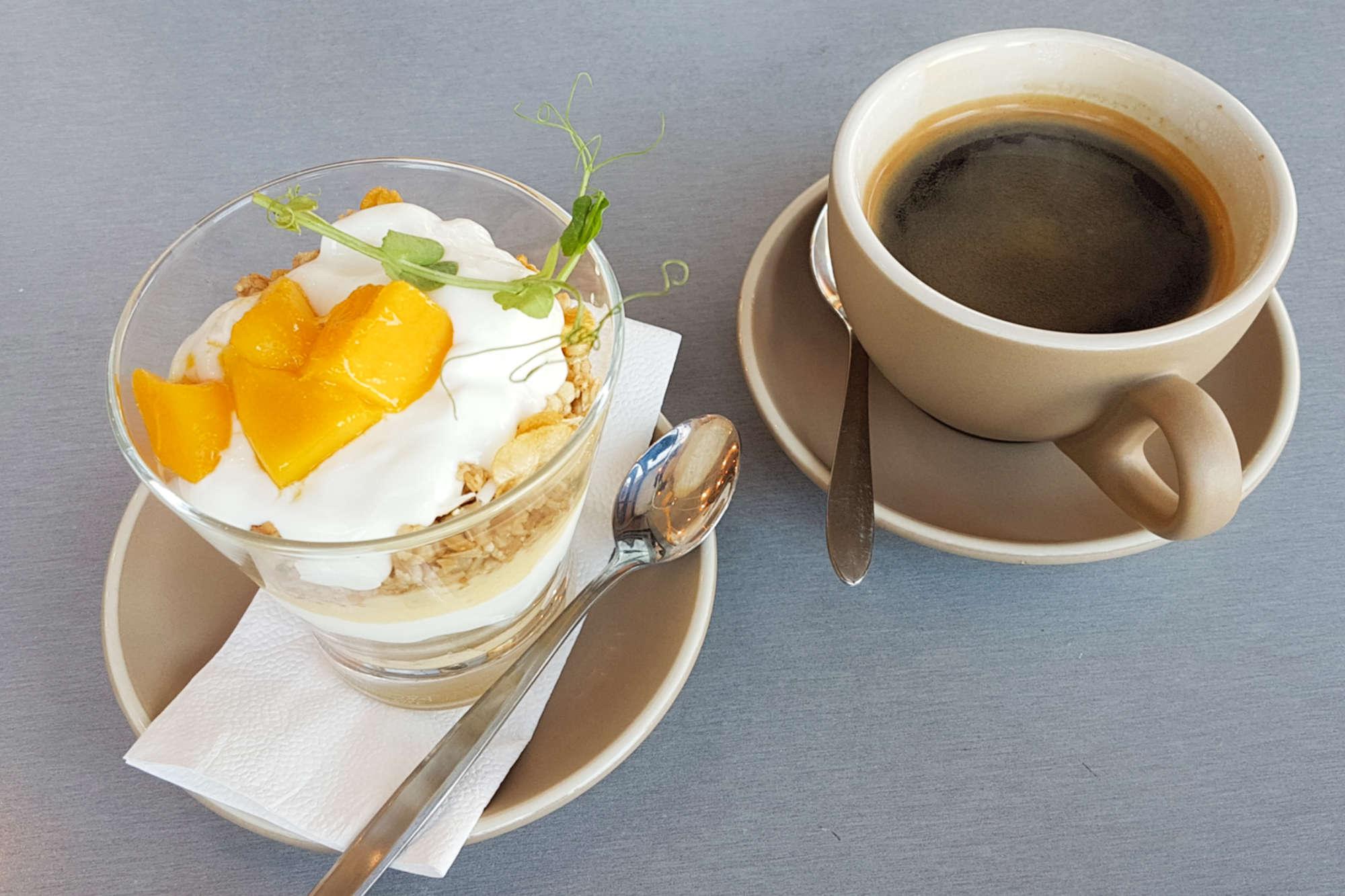 Seroja - muesli and coffee