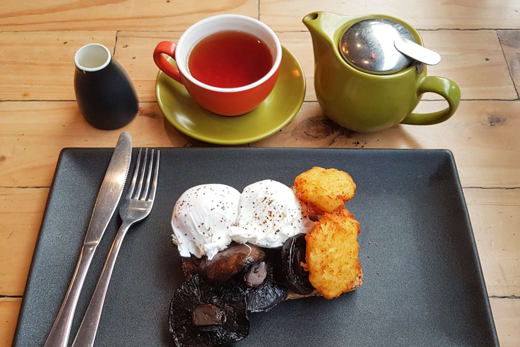 Arborist cooked breakfast and tea