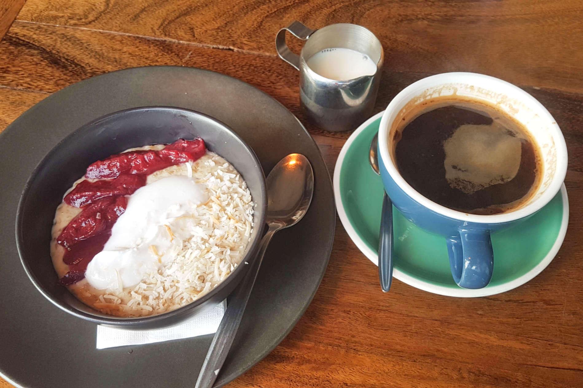 Beach Babylon coffee and porridge