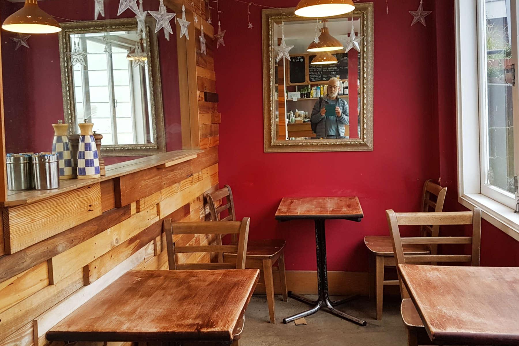 Kelburn Cafe - interior downstairs