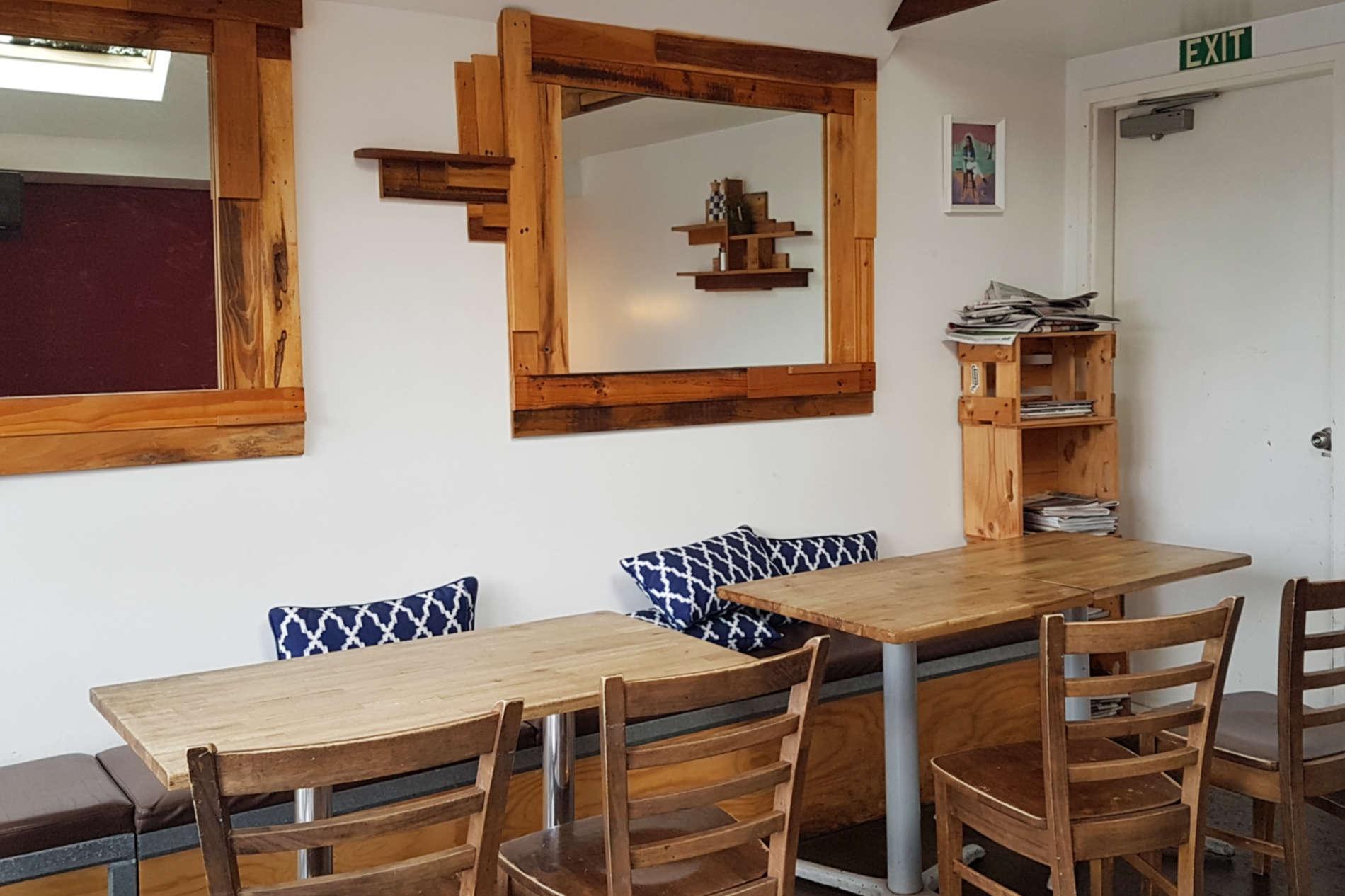 Kelburn Cafe - interior upstairs to back