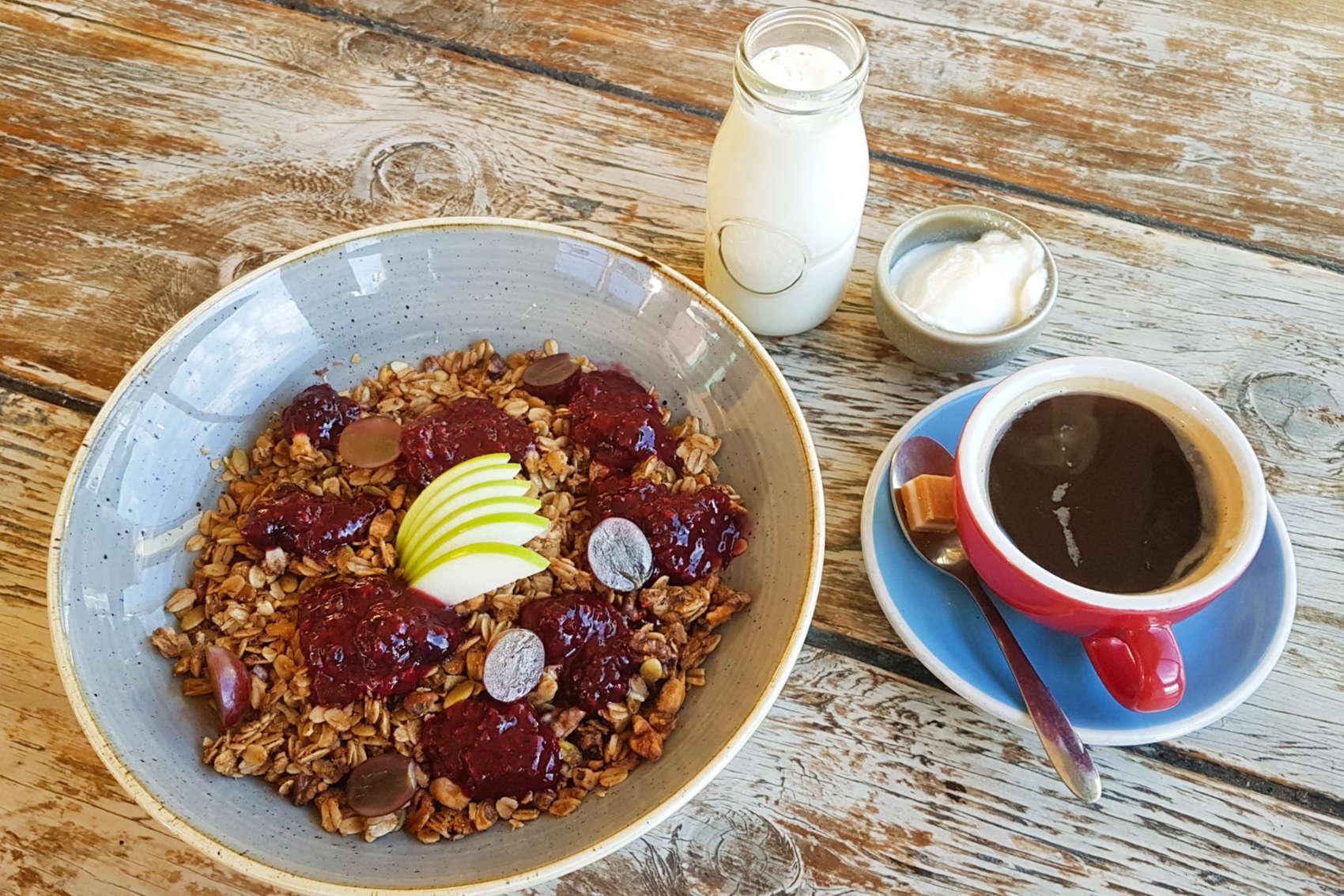 Coenes granola and coffee