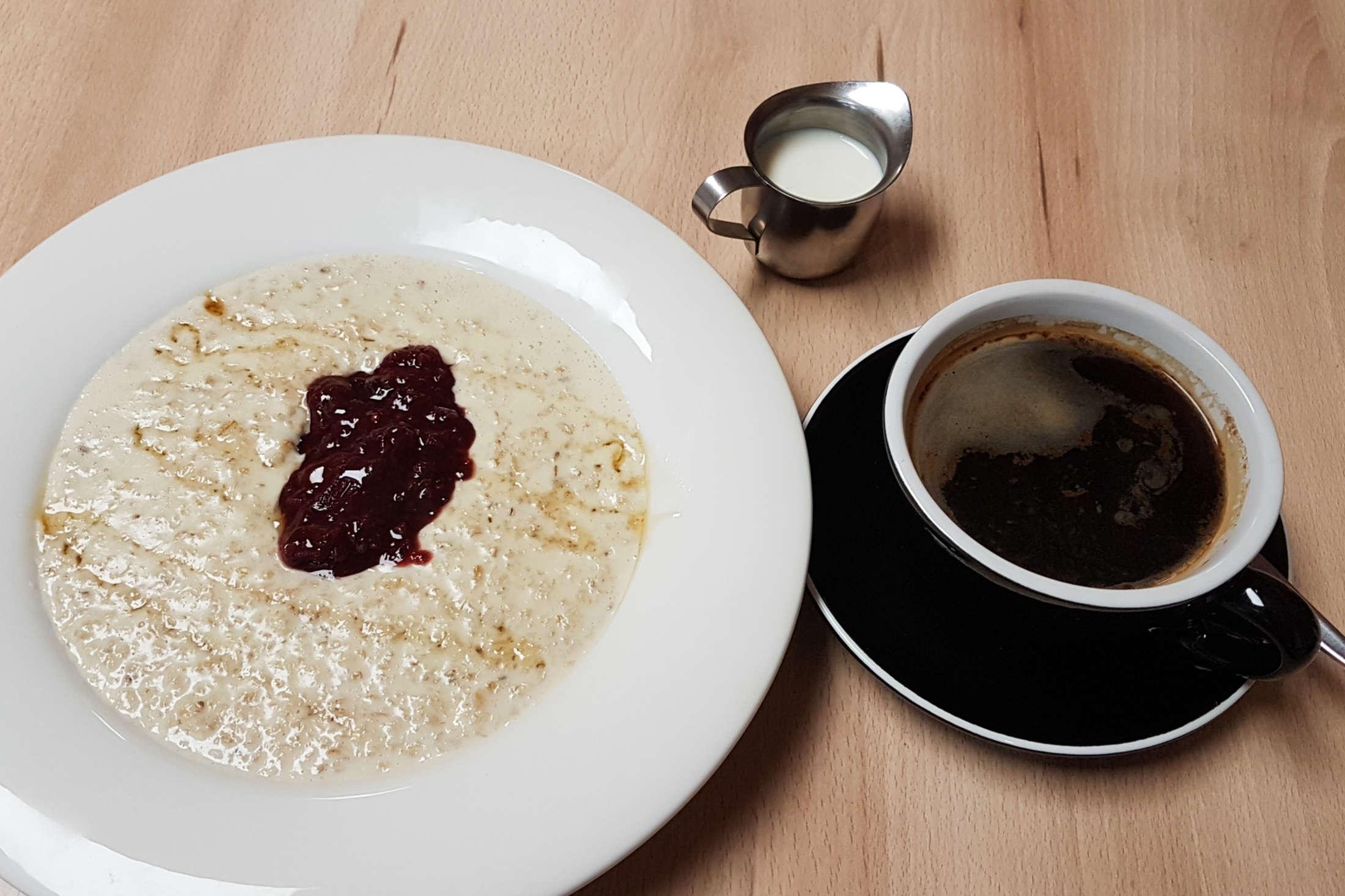 SaMick coffee and porridge