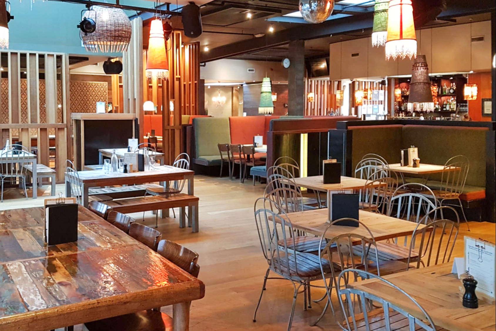 Southern Cross bar area
